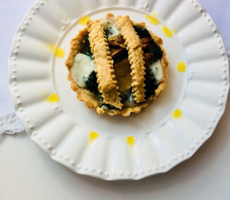Mini tartellette con bieta e funghi porcini