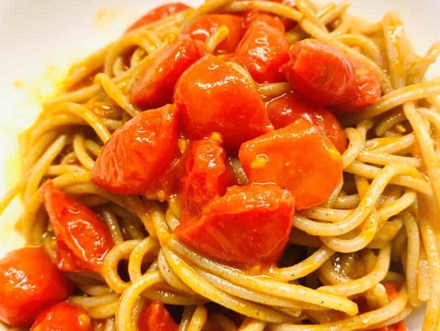Spaghetti pomodorini, curcuma e zenzero