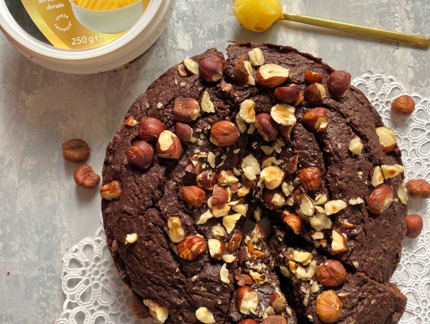 Torta al cioccolato e nocciole senza burro e senza glutine
