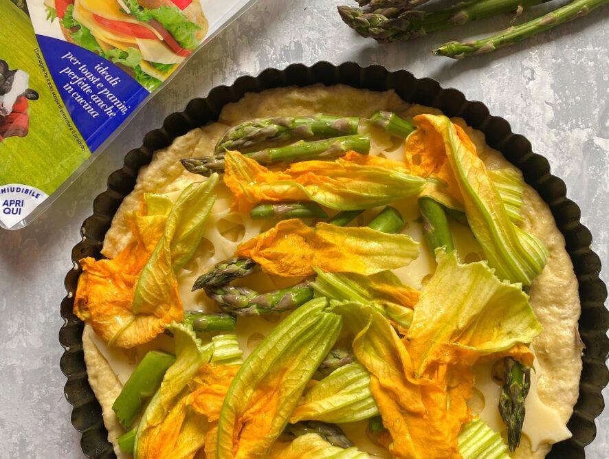 Torta salata asparagi, fiori di zucca e emmental